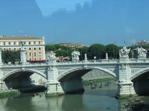 11 24 1 Rome en car